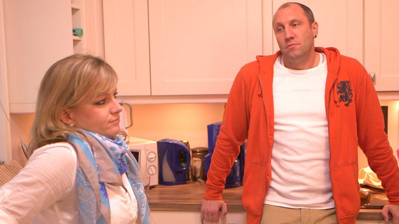 Müssen sparen: Christina (l.) und Michael (r.) ... - Bildquelle: SAT.1