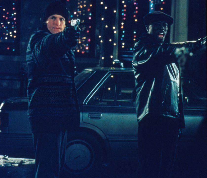 Sie sind die besten Cops, die die New Yorker U-Bahn Wache je hatte: John (Wesley Snipes, r.) und Charlie (Woody Harrelson, l.) - Bildquelle: Columbia Tristar