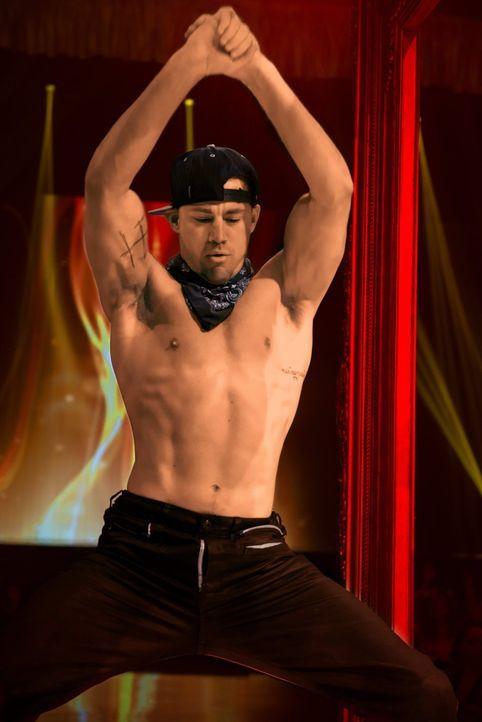 Eigentlich hat Mike (Channing Tatum) seine Stripper-Karriere bereits vor drei Jahren an den Nagel gehängt, doch der Anruf eines alten Freundes bring... - Bildquelle: Warner Bros.