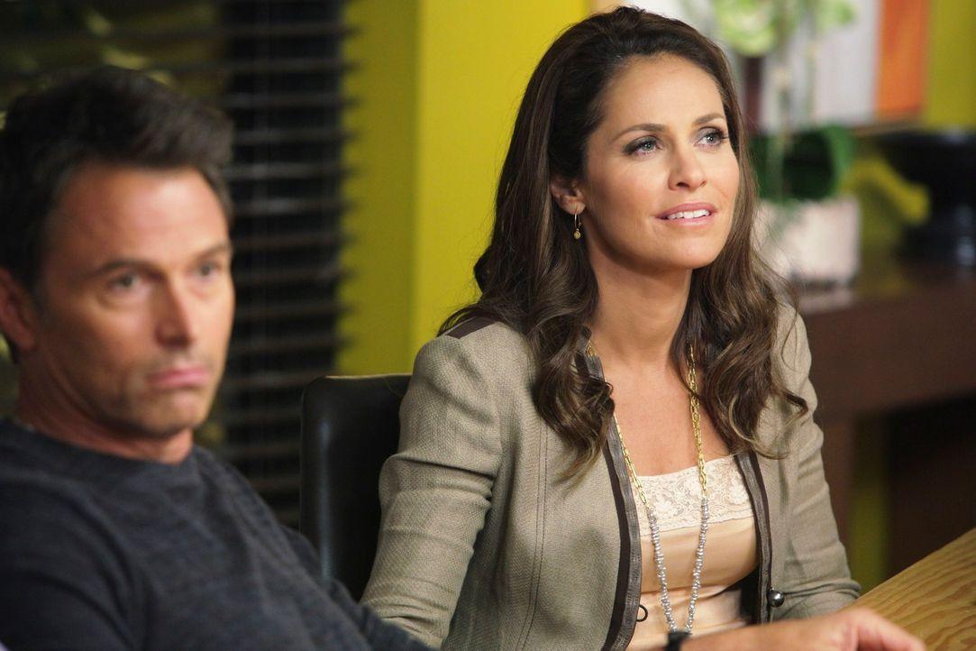 Pete (Tim Daly, l.) und Charlotte äußern ihre Schwierigkeiten mit der Freundschaft von Violet (Amy Brenneman, r.) und Cooper, worauf die gar nicht... - Bildquelle: ABC Studios