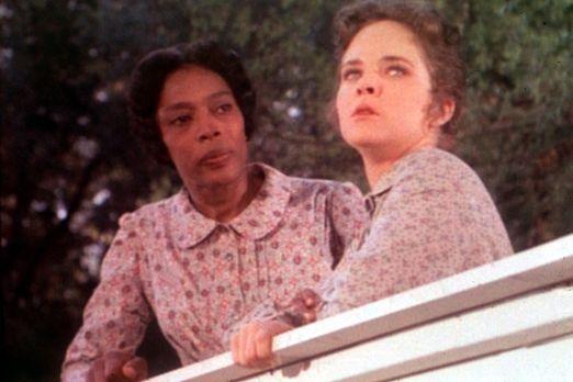 Unsere kleine Farm - Hester Sue (Ketty Lester, l.) versucht, Mary (Melissa Su...