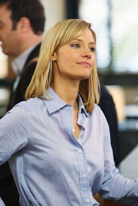 Charlotte (KaDee Strickland) glaubt, dass Naomi ihr den Job wegnehmen möchte ... - Bildquelle: ABC Studios