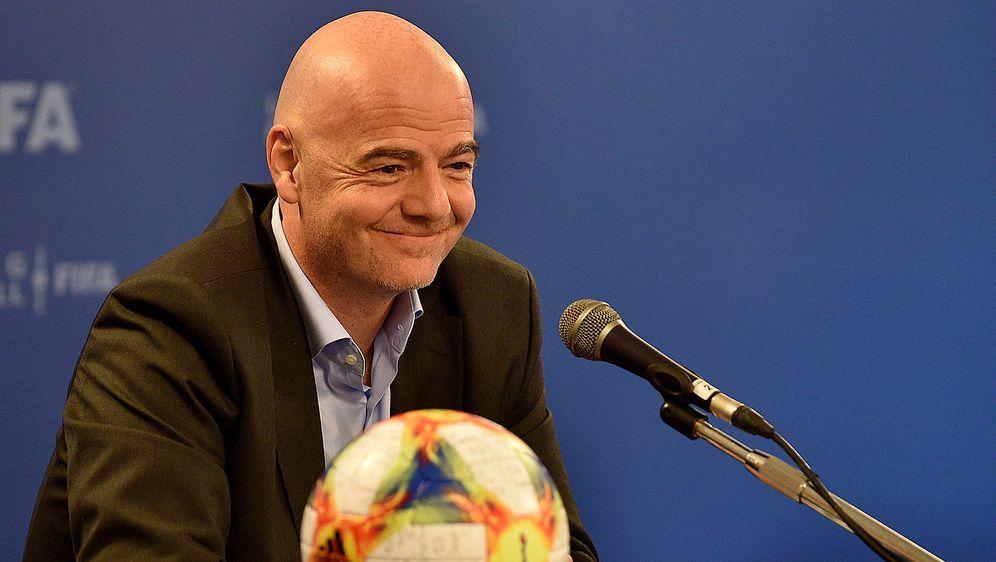 FIFA-Präsident Gianni Infantino setzt seine Pläne zur Klub-WM durch - Bildquelle: Getty Images