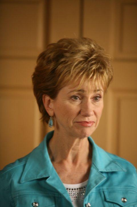 Joes Mutter Marjorie (Kathy Baker) ist schwer krank und muss sich einer Operation unterziehen. Sie hat eine Überlebenschance von 60 Prozent. - Bildquelle: Paramount Network Television