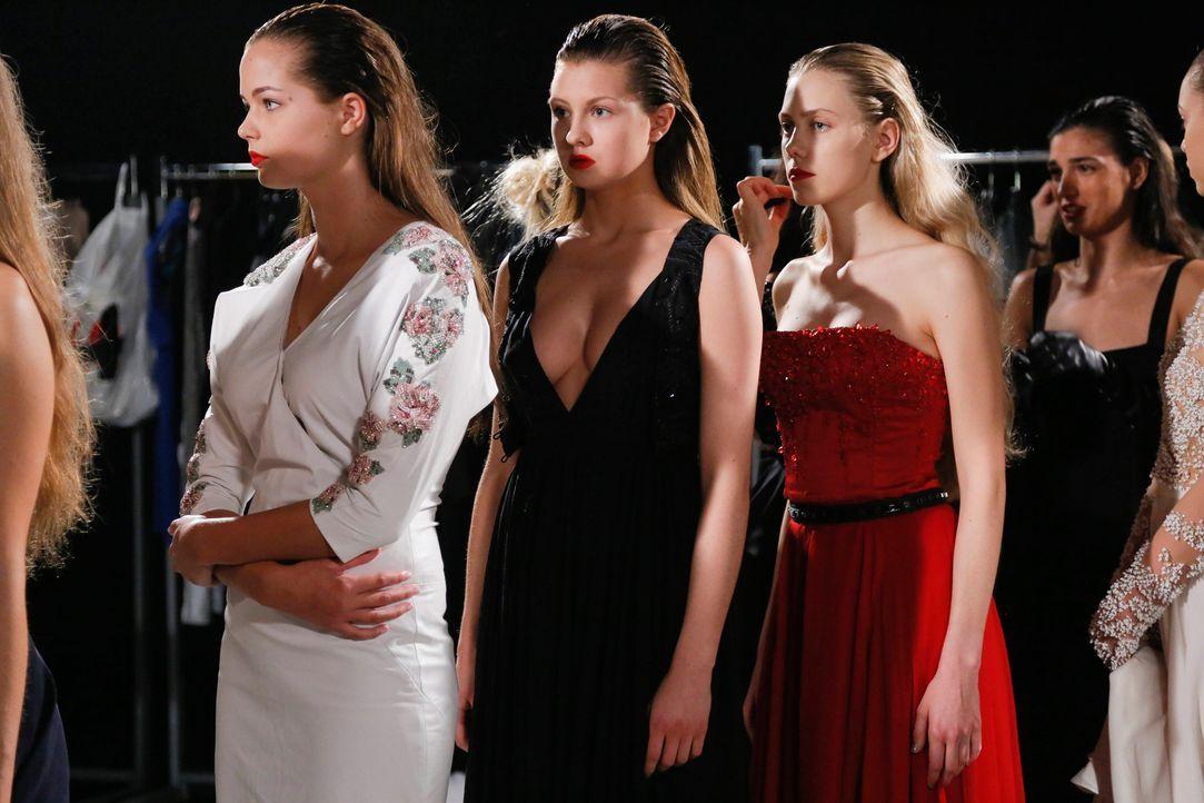 GNTM-Stf11-Epi01-erste-fashion-show-01-ProSieben-Huebner - Bildquelle: ProSieben/Richard Huebner