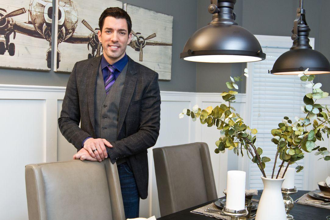 Drew muss seinen Kunden klarmachen, dass ein bezugsfertiges Haus in der Stadt nicht in ihr Budget passt. Aber werden sie sich darauf einlassen, eine... - Bildquelle: Jessica McGowan 2013, HGTV/Scripps Networks, LLC. All Rights Reserved