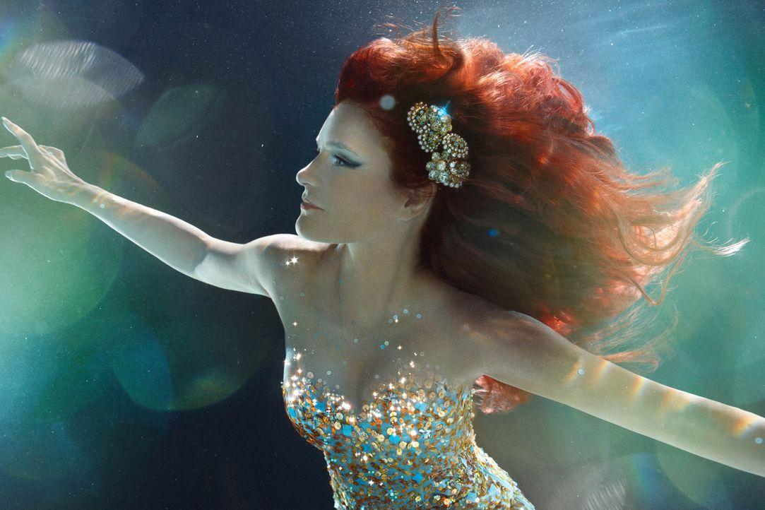 """Auf ihrer """"Atlantis""""-Tour begeisterte Andrea Berg international unzählige Fans mit einer beeindruckenden Bühnenshow und ihren Hits. - Bildquelle: Zena Holloway Sat.1 Gold"""