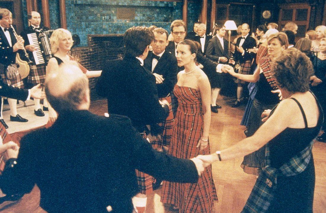 Auf dem Ball der Familie McLaren kommt es zwischen Trey (Kyle MacLachlan, M.l.) und Charlotte (Kristin Davis, M.r.) zu einer unangenehmen Auseinande... - Bildquelle: Paramount Pictures