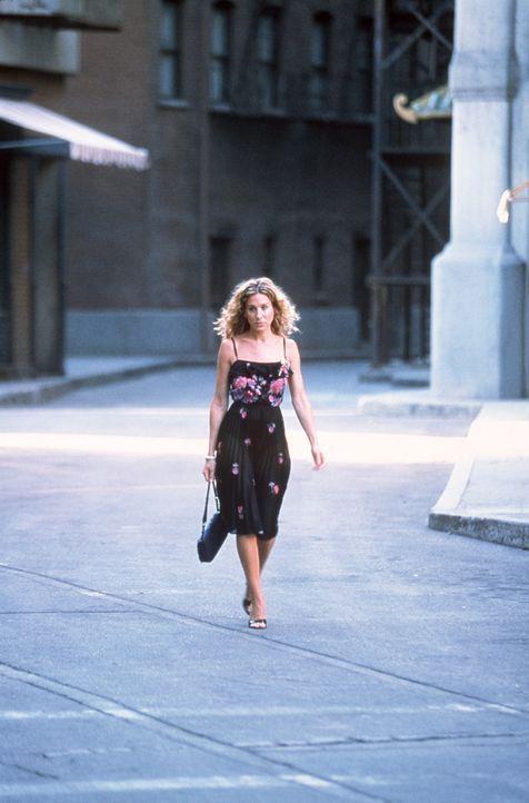 In L. A. interessiert sich eine Produktionsgesellschaft für Carries (Sarah Jessica Parker) Kolumnen und möchte sie eventuell verfilmen. - Bildquelle: Paramount Pictures