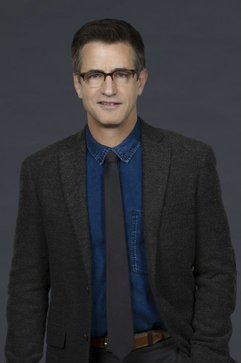 Der in Verruf geratene Chirurg Dr. Walter Wallace (Dermot Mulroney) bekommt von einem Tech-Titan aus dem Silicon Valley ein Angebot, dass er nicht a... - Bildquelle: Sonja Flemming 2016 CBS Broadcasting, Inc. All Rights Reserved
