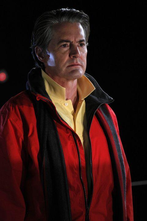 Ted nimmt das Angebot von Captain (Kyle MacLachlan) an, mit ihm auf seiner Yacht einen kleinen Abendtörn zu unternehmen - mit überraschenden Folge... - Bildquelle: 20th Century Fox International Television