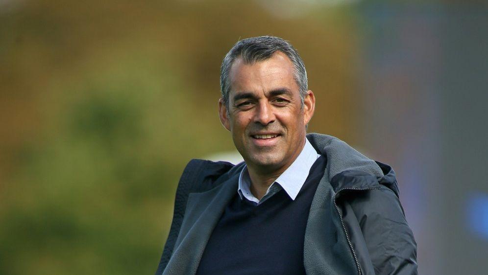 Der VfL Bochum hat mit Robin Dutt bis 2020 verlängert - Bildquelle: FIROFIROSID