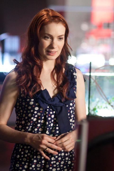 Zane überlässt Holly (Felicia Day) eines seiner Labore in Sektion Fünf, so dass sie herausfinden kann, an was sie von nun an forschen soll ... - Bildquelle: Universal Television