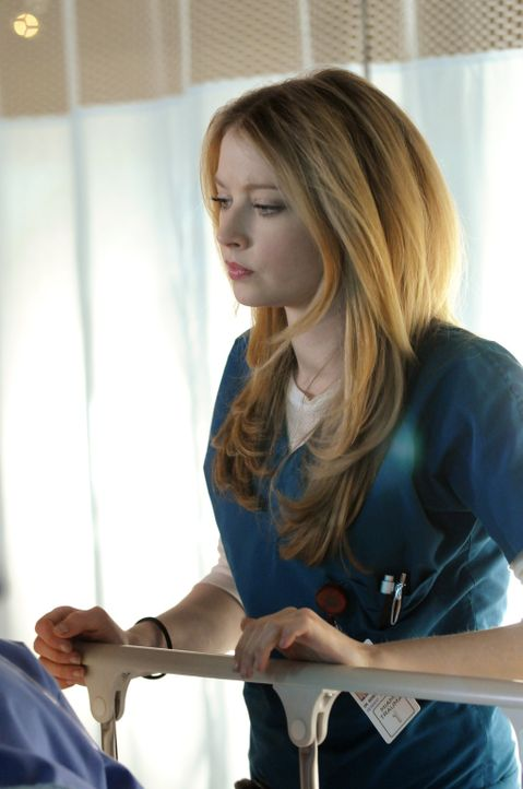 Ein Kettenunfall bietet Dr. Warren (Elisabeth Harnois) eine analytische Herausforderung. Wer brachte die Kettenreaktion ins Rollen? - Bildquelle: Warner Brothers