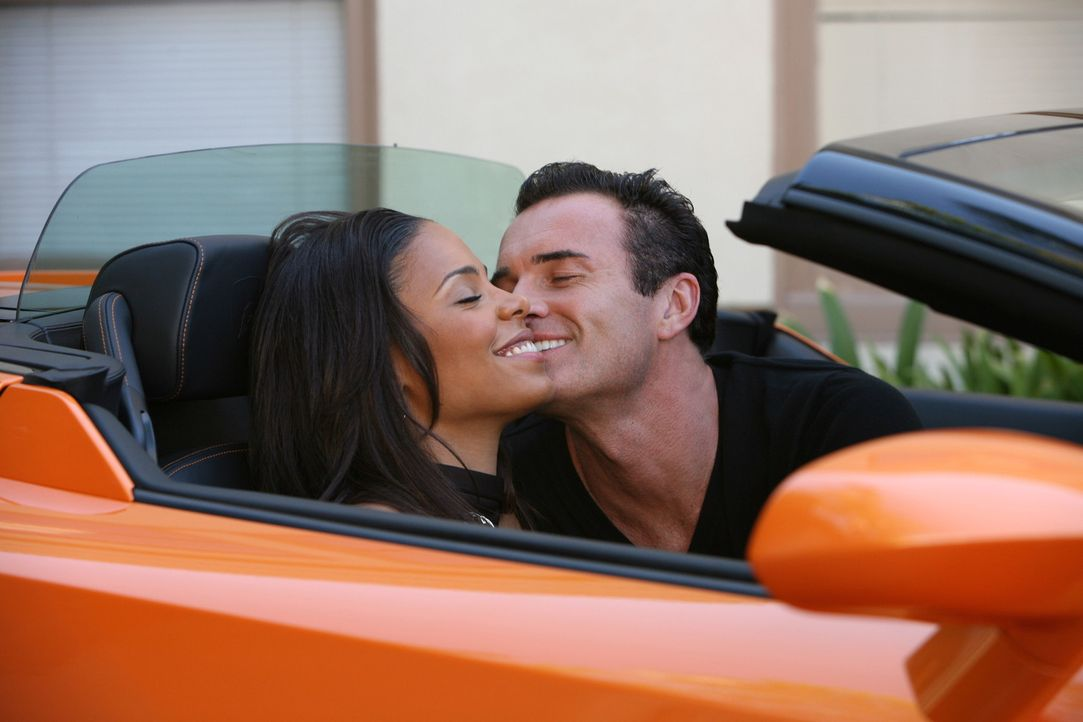 Hat ihre Liebe eine Chance? Christian (Julian McMahon, r.) und Michelle (Sanaa Lathan, l.) ... - Bildquelle: TM and   2004 Warner Bros. Entertainment Inc. All Rights Reserved.