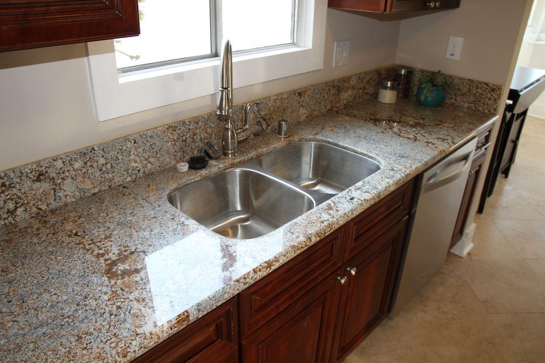 Ein kleines Cottage in Whittier birgt ungeahnt große Baustellen ... - Bildquelle: 2013,HGTV/Scripps Networks, LLC. All Rights Reserved