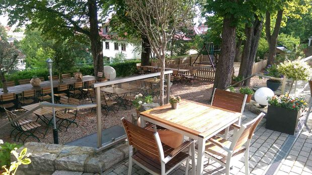 restaurant hopfenberg in erfurt mein lokal dein lokal. Black Bedroom Furniture Sets. Home Design Ideas