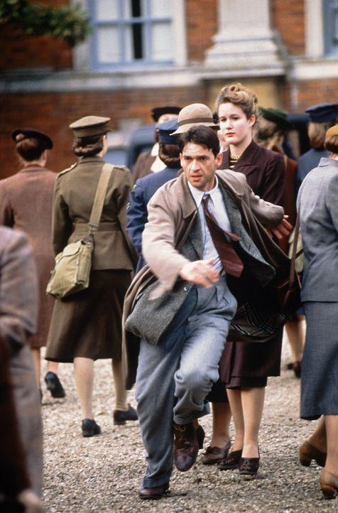 Verfolgt vom britischen Geheimdienst: Tom Jericho (Dougray Scott) ... - Bildquelle: Senator Film