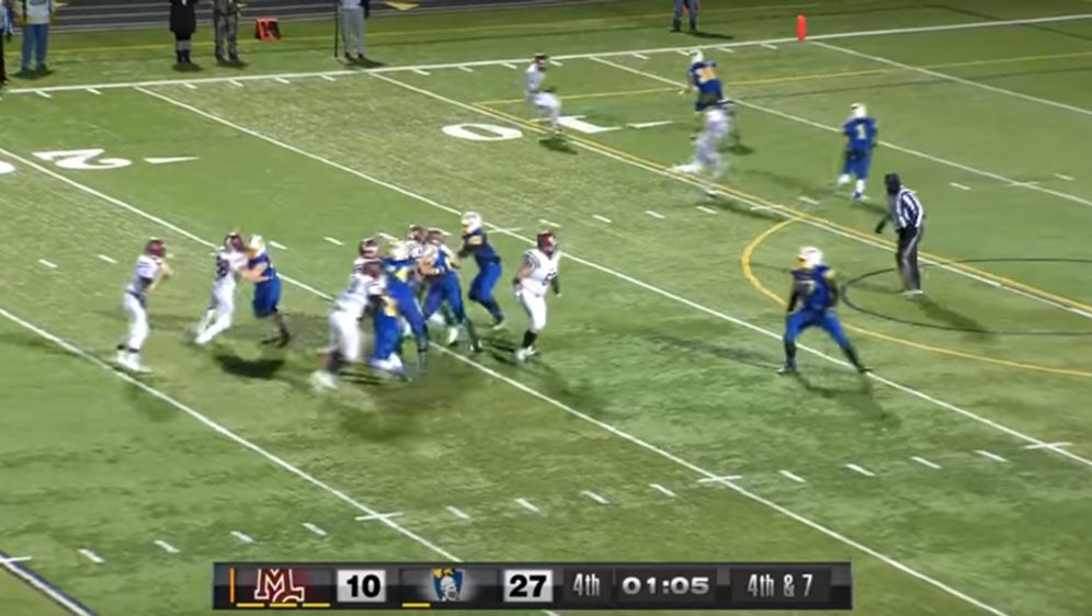 Das High School Team Maple Grove aus Minnesota hat ein kleines Football-Wund... - Bildquelle: youtube.com/CCX Media
