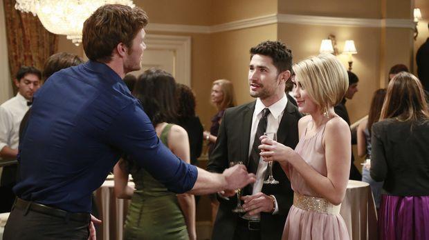 Tucker nervt Danny (Derek Theler, l.) und die anderen, um mit einem Supermode...