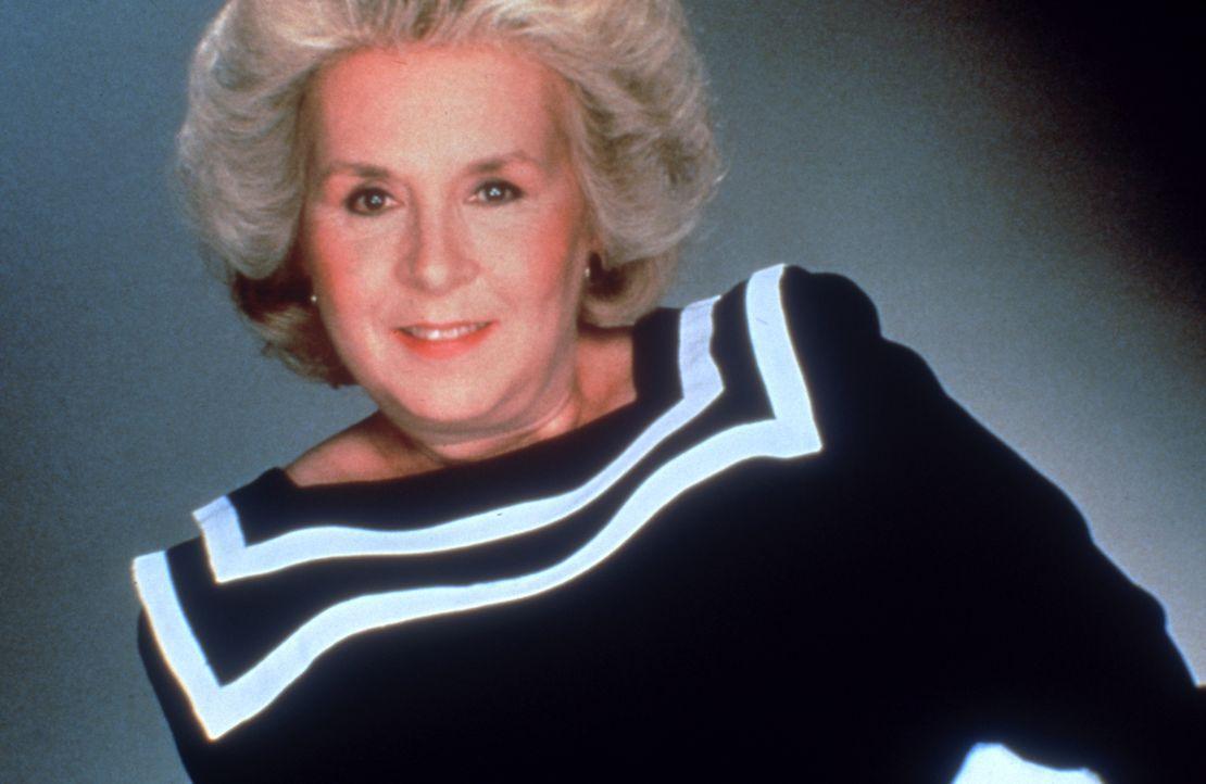 Mildred Krebs (Doris Roberts) ist Finanzbeamtin und verbringt ihre Freizeit gerne beim Bowling. Später arbeitet sie als Sekretärin bei Remington Ste... - Bildquelle: Motion Picture   1985 MTM PRODUCTIONS.    2001 Twentieth Century Fox Film Corporation. All rights reserved.