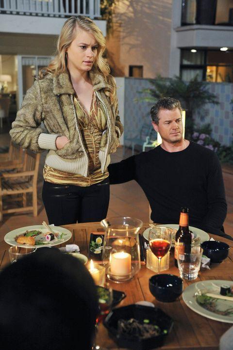 Hoffen, dass Addison ihnen helfen wird: Sloan (Leven Rambin, l.) und Mark (Eric Dane, r.) ... - Bildquelle: ABC Studios