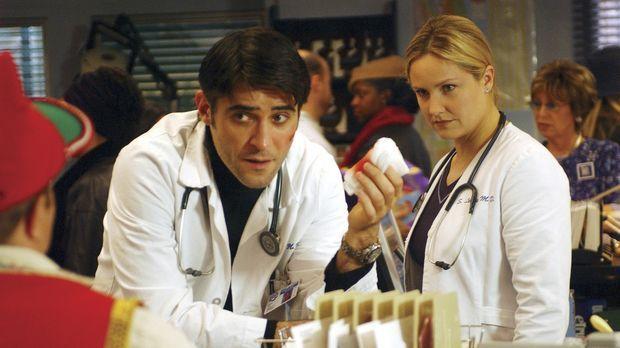 Dr. Kovac (Goran Visnjic, M.) hat bei einem Patienten eine akute Leukämie übe...