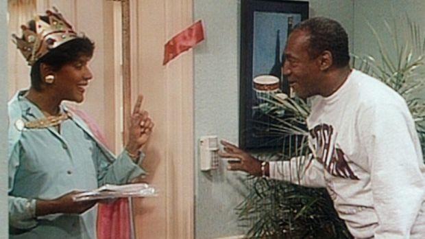 Cliff (Bill Cosby, r.) erklärt Clair (Phylicia Rashad, l.) das elektronische...