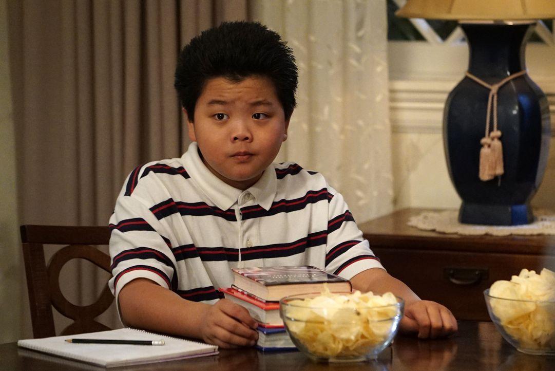 Eddie (Hudson Yang) möchte seiner Mutter Jessica seine Freundin Alison vorstellen. Da Alison jedoch keine Chinesin ist, haben die beiden Angst, dass... - Bildquelle: 2015-2016 American Broadcasting Companies. All rights reserved.