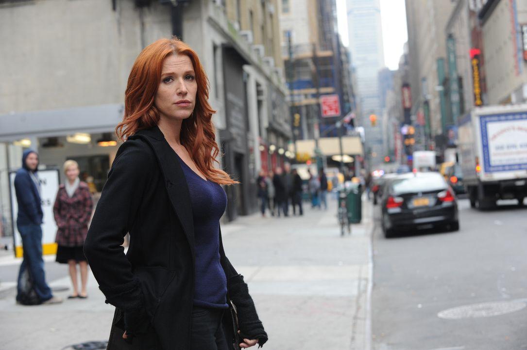 Ein neuer Fall beschäftigt Carrie Wells (Poppy Montgomery) ... - Bildquelle: 2011 CBS Broadcasting Inc. All Rights Reserved.