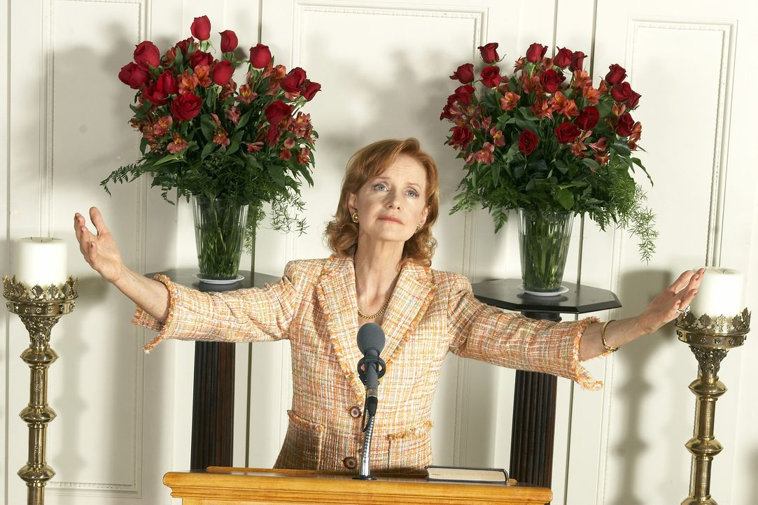 Rekrutiert hemmungslos neue Sektenmitglieder, indem sie die Unwetter als Gottes Strafe für das heillose Treiben der Menschheit darstellt: Penny Hal... - Bildquelle: 2006 RHI Entertainment Distribution, LLC