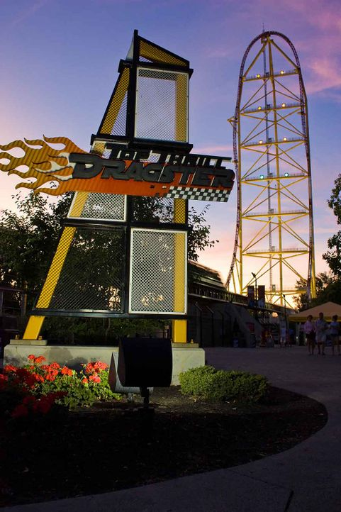 Top-Thrill-Dragster-2