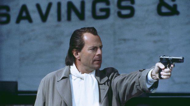 Was macht ein frisch ausgebrochener Bankräuber (Bruce Willis)? Er bleibt sich...