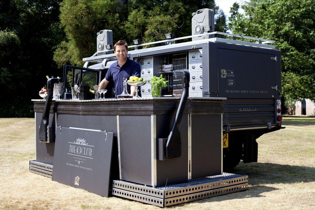 Der britische Architekt und Wohnexperte George Clarke wird in dieser Folge u.a. Zeuge, wie ein ausrangierter Land Rover in eine mobile Cocktailbar v... - Bildquelle: Vicki Couchman/UNP 01274 412222