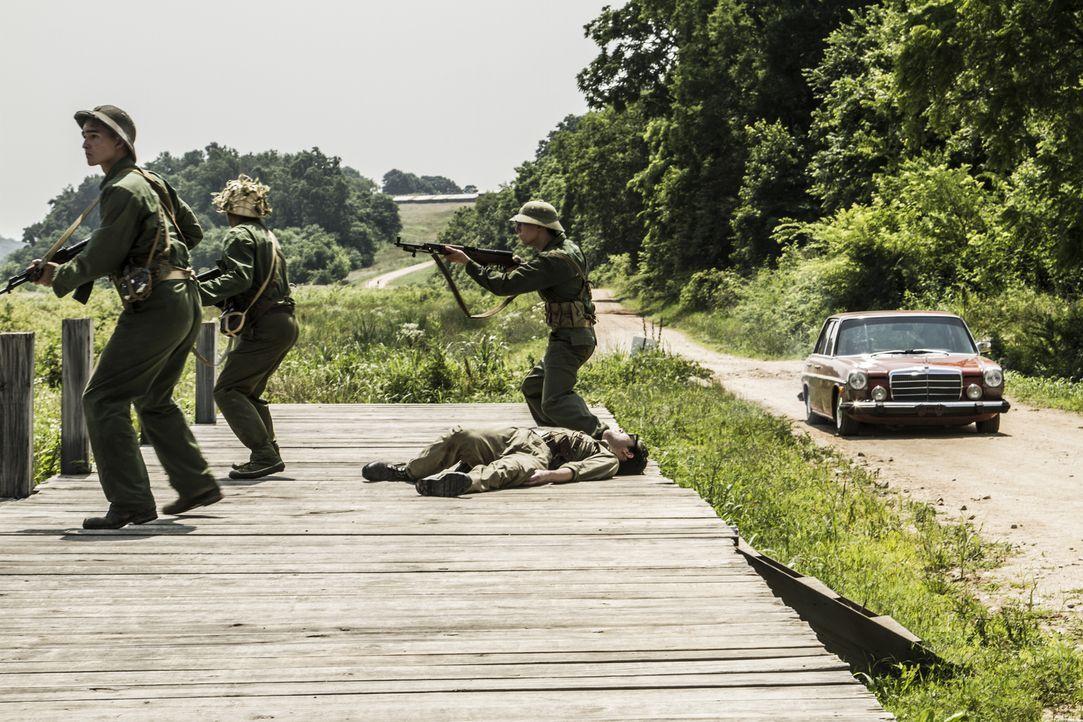 """Wahre Geschichte oder übertriebene Fiktion Hollywoods: Erzählt Blockbuster """"American Sniper"""" die Wahrheit über Scharfschütze Chris Kyle, der mit übe... - Bildquelle: 2015 REELZCHANNEL, LLC.  All Rights Reserved."""