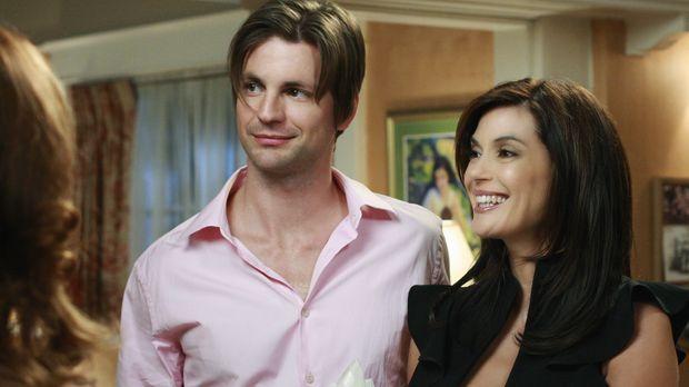 Während Susan (Teri Hatcher, r.) und Jackson (Gale Harold, l.) ihre Heirat be...