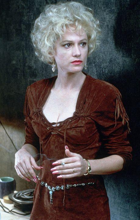 Auf der Suche nach belastendem Beweismaterial begibt sich Tammy Hemphill (Holly Hunter) in große Gefahren! - Bildquelle: Paramount Pictures
