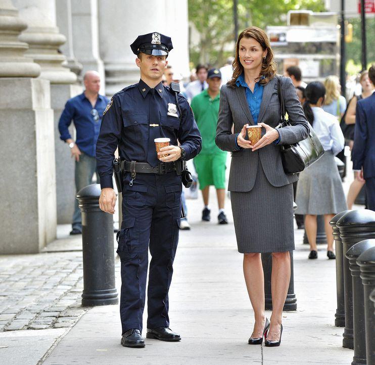 Jamie (Will Estes, l.) ist sehr froh, mit seiner Schwester Erin (Bridget Moynahan, r.) über alles sprechen zu können. - Bildquelle: 2010 CBS Broadcasting Inc. All Rights Reserved