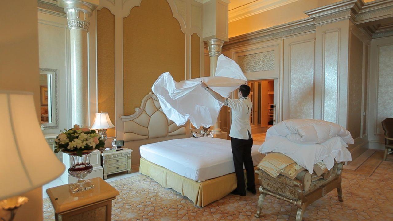 In Abu Dhabi wurde 2005 ein Prunk-Palast für 3 Milliarden Dollar erbaut, der bis heute seinesgleichen sucht ... - Bildquelle: SAT.1