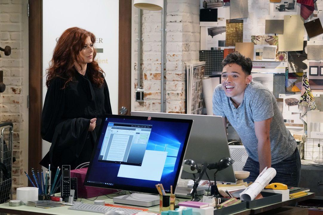 Grace (Debra Messing, l.) befragt ihren Angestellten Tony (Anthony Ramos, r.) über Karens Verhalten ihm gegenüber aus. Erzählt er ihr tatsächlich di... - Bildquelle: Chris Haston 2017 NBCUniversal Media, LLC