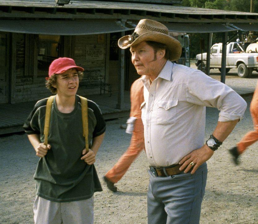 In einem Jugendstraftäterlager namens Camp Green Lake lernt Stanley (Shia LaBeouf, l.) den Außenseiter Zero kennen. Als Zero nach einer Auseinanders... - Bildquelle: Buena Vista Pictures Distribution