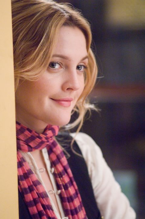 Als sie ihren Boss Alex Fletcher näher kennenlernt, findet seine Blumenpflegerin Sophie (Drew Barrymore), die er kurzerhand zur Songwriterin beförde... - Bildquelle: Warner Bros.