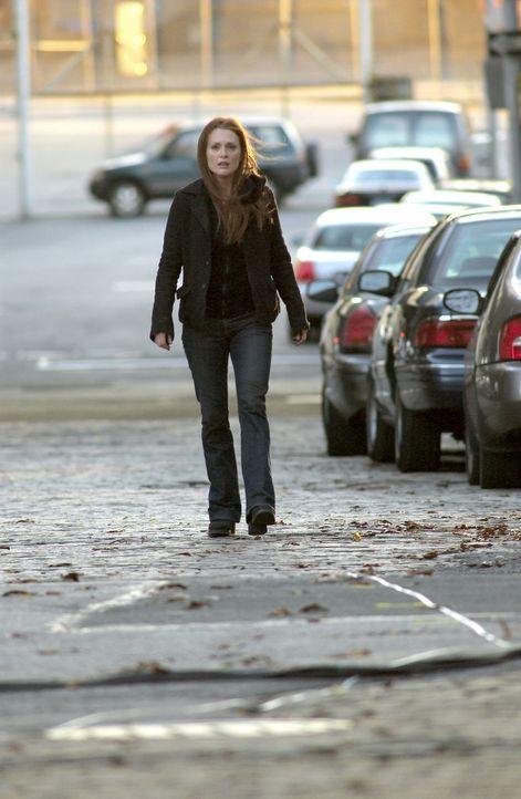 Seit 14 Monaten besteht Telly Parettas (Julianne Moore) Leben nur noch aus Trauer, denn da ist ihr kleiner Sohn Sam bei einem Flugzeugabsturz ums Le... - Bildquelle: Columbia Pictures