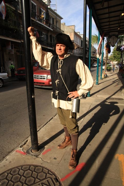 "Bei seinem Besuch in New Orleans verkleidet sich Jack Maxwell für die Faschingsfeierlichkeiten zu ""Mardi Gras"" als patriotischer Amerikaner aus der... - Bildquelle: 2014, The Travel Channel, L.L.C. All Rights Reserved."