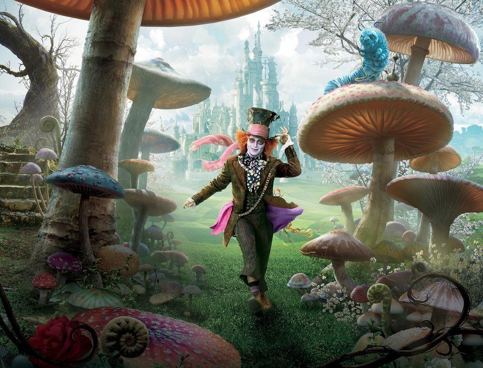 Im Wunderland gibt es wahrlich wundersame Kreaturen wie zum Beispiel den verrückten Hutmacher (M.) und die weise Raupe Absolem ... - Bildquelle: Leah Gallo Disney Enterprises, Inc. All rights reserved