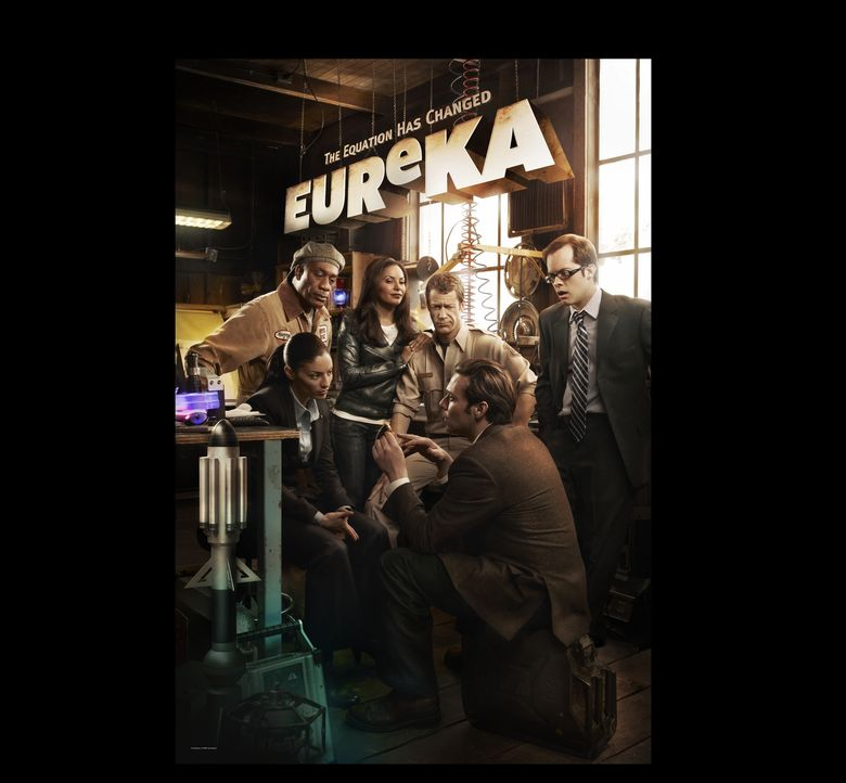 (4. Staffel) - EUREKA: (v.l.n.r.) Henry Deacon (Joe Morton), Jo Lupo (Erica Cerra), Allison Blake (Salli Richardson-Whitfield), Jack Carter (Colin F... - Bildquelle: Universal Television