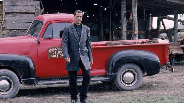 Als US-Marschall Jack Taggart (Steven Seagal) wegen eines Mordfalls in eine K...