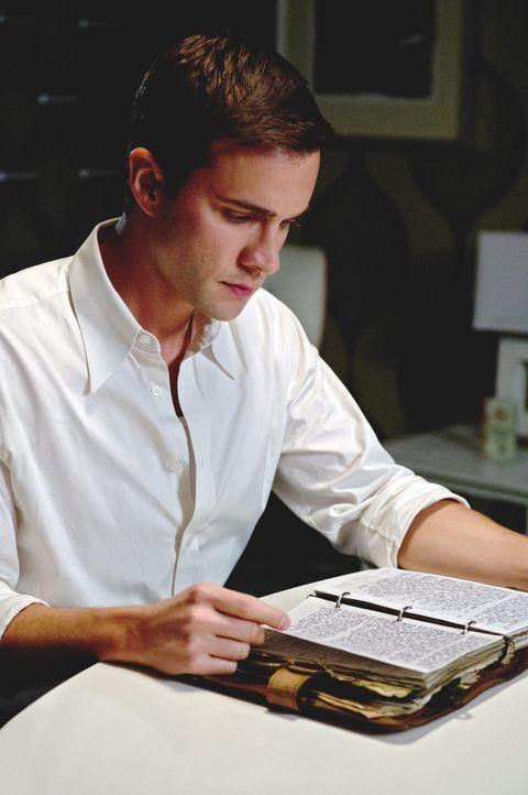 Kann das Tagebuch seines Sohnes Henry (Gil McKinney) dabei helfen, den Dämon Abbadon aufzuhalten? - Bildquelle: Warner Bros. Television
