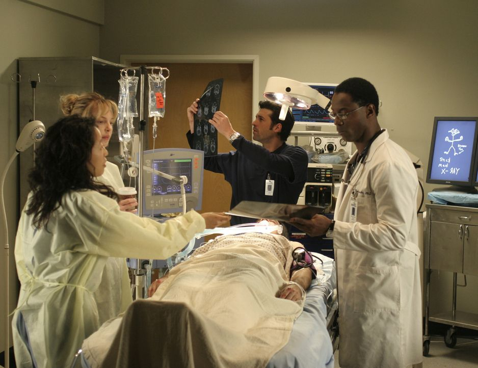 Während Radfahrer mit mehr oder weniger schweren Blessuren eingeliefert werden, haben Cristina (Sandra Oh, l.), Izzie (Katherine Heigl, 2.v.l.),  De... - Bildquelle: Touchstone Television