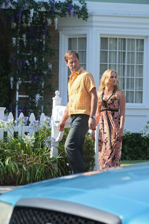Julie wird bewusstlos auf dem Rasen liegend entdeckt und ins Krankenhaus gebracht. In der Nachbarschaft fällt der Verdacht schnell auf den Sohn der... - Bildquelle: ABC Studios